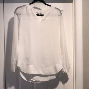 White sheet lined Cabi blouse💚
